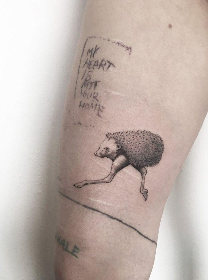 igelstrauss tattoo black grey konstanz