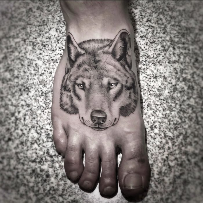 black grey tattoo wolf fuss konstanz