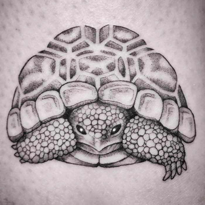 mini tattoo black grey tattoostudio konstanz bodensee turtle