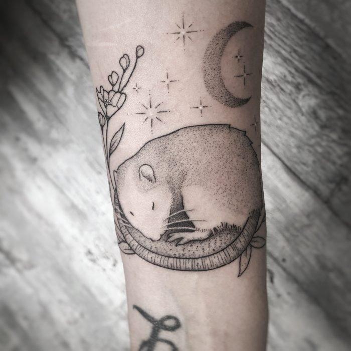 Dotwork black grey tattoo rat ratte tattoostudio konstanz bodensee moon mond
