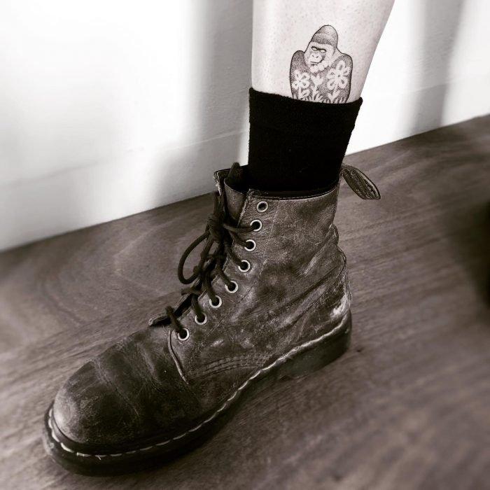 Dotwork gorilla tattoo konstanz tattoostudio bodensee