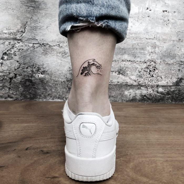 mini tattoo wave welle tattoostudio konstanz bodensee