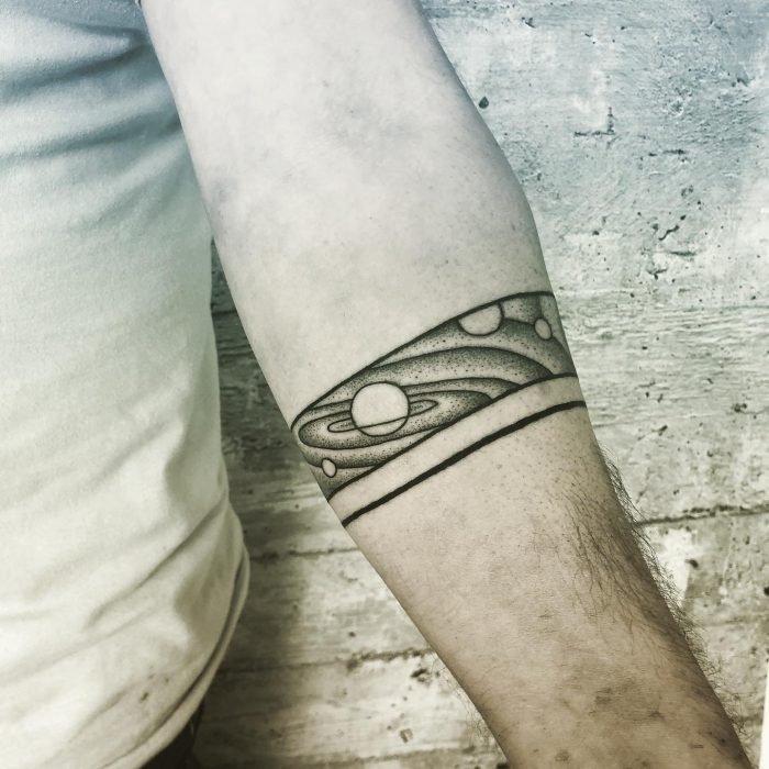 Dotwork planeten planets arm tattoo tattoostudio konstanz bodensee linework