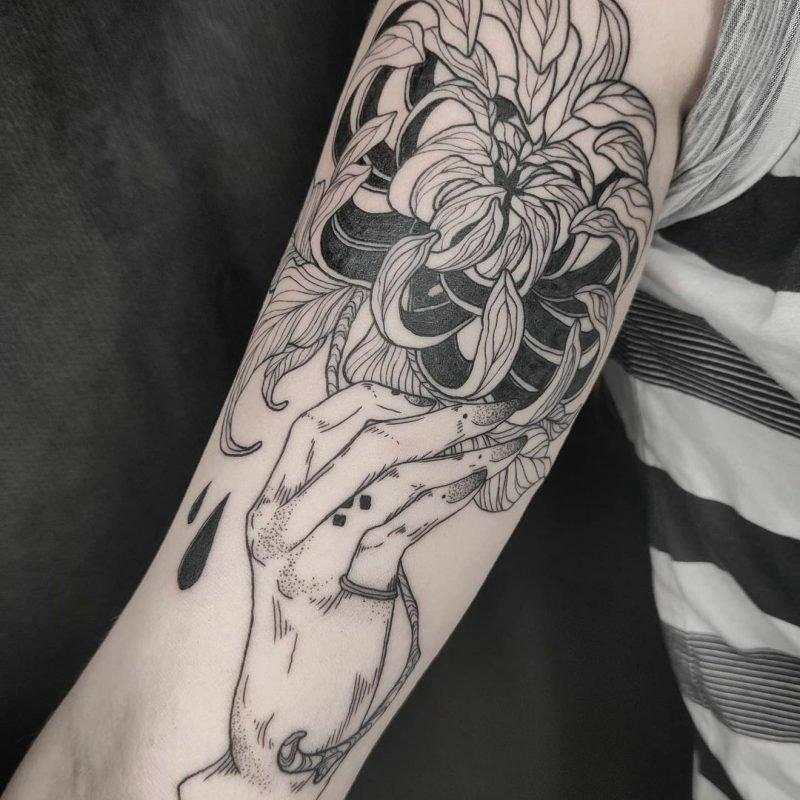 piixs liza bodensee linework blackwork neo traditional tattoostudio tattoo konstanz