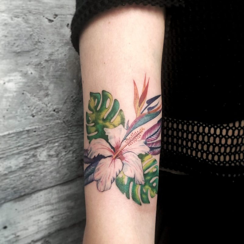 colour tattoo flower dschunel tattoostudio konstanz exotic bodensee bunt