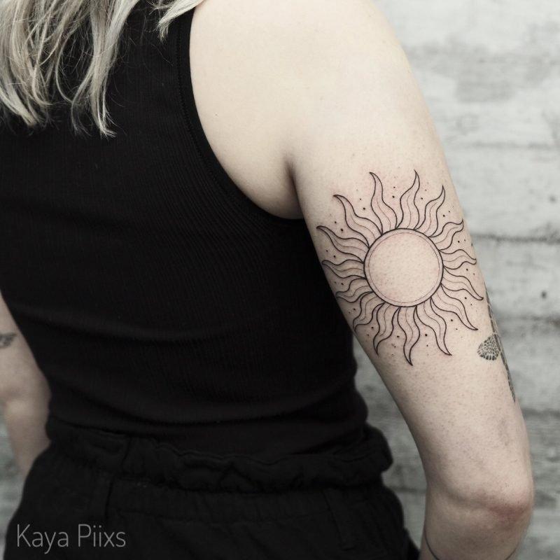 linework sun sonne blackwork konstanz tattoostudio PIIXS kaya piixs smalltattoo zürich bodensee